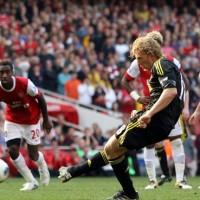 Liverpool y Arsenal empatan con dos penales al ultimo minuto
