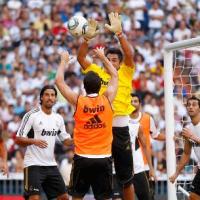 El Real Madrid entreno con 57,000 aficionados viendolos