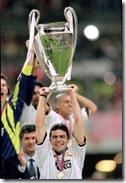 futbolife_Sanchis_levantando_champions