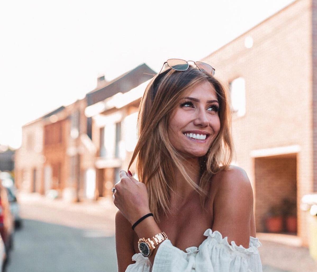 Yannick Carrasco's Girlfriend Noémie Happart - futbolife.info